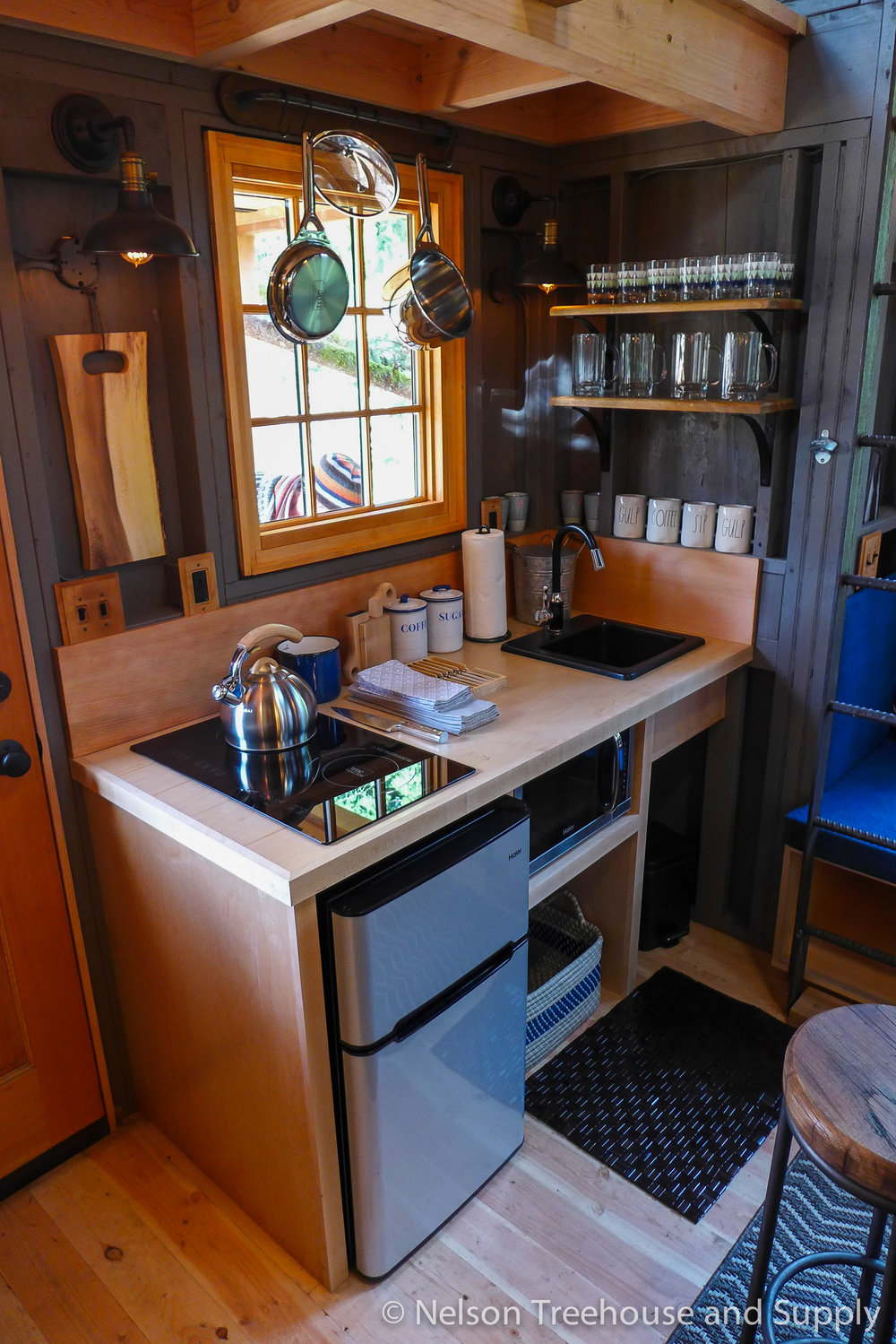 charlies_treehouse_kitchen