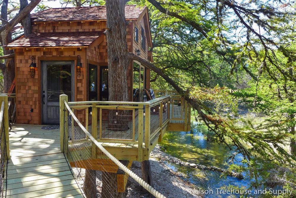 diy hog wire deck railing nelson treehouse rh nelsontreehouse com Treehouse Drawings Old Treehouse