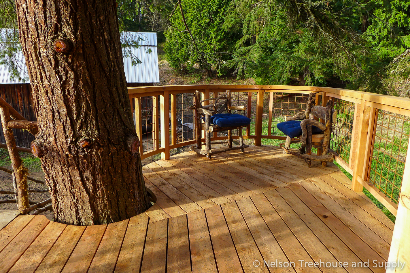Picture of: Diy Hog Wire Deck Railing Nelson Treehouse