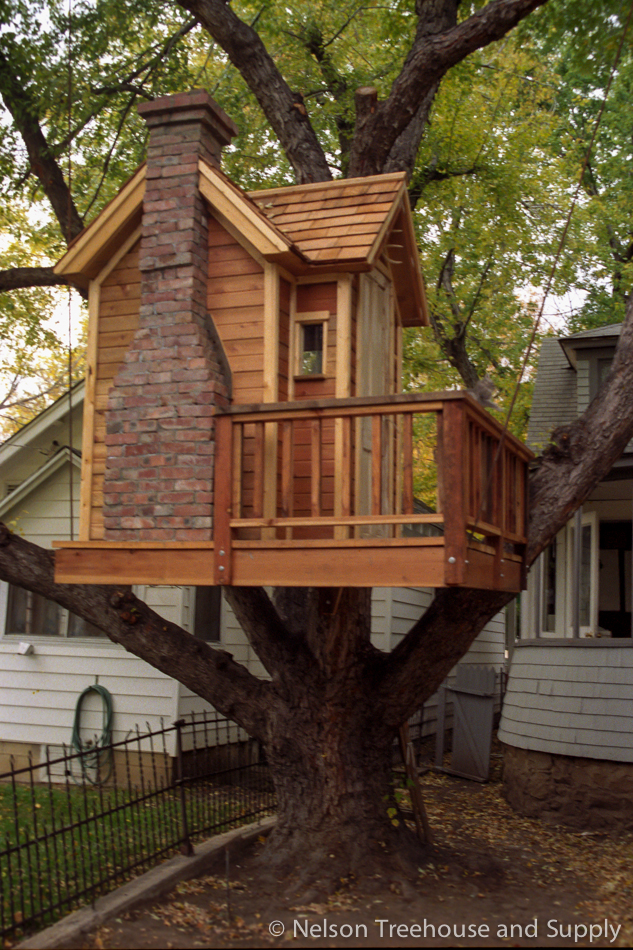 Pete nelson family story nelson treehouse for Building a house in colorado