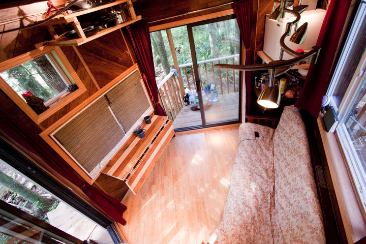 The interior of Devin's Treehouse.