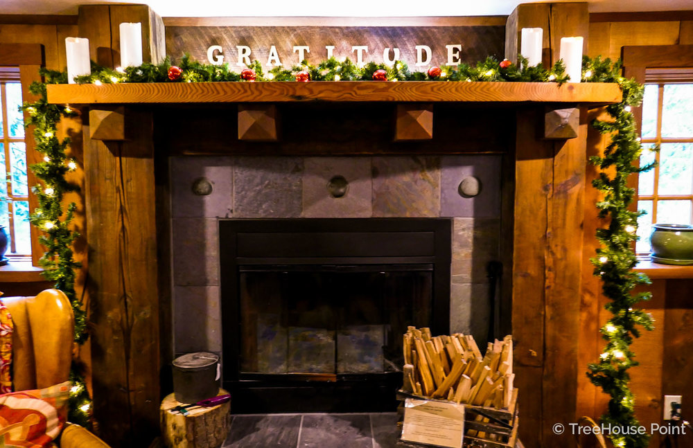 Rheanna's decor makes the mantel glow with gratitude.