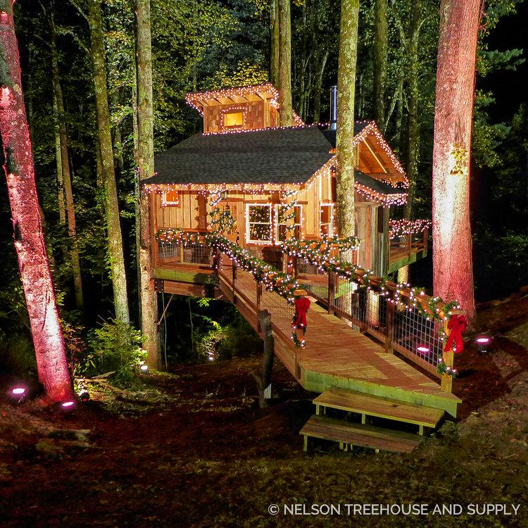 reynolds appalachian christmas treehouse nelson treehouse - Treehouse Masters Tree Houses Inside