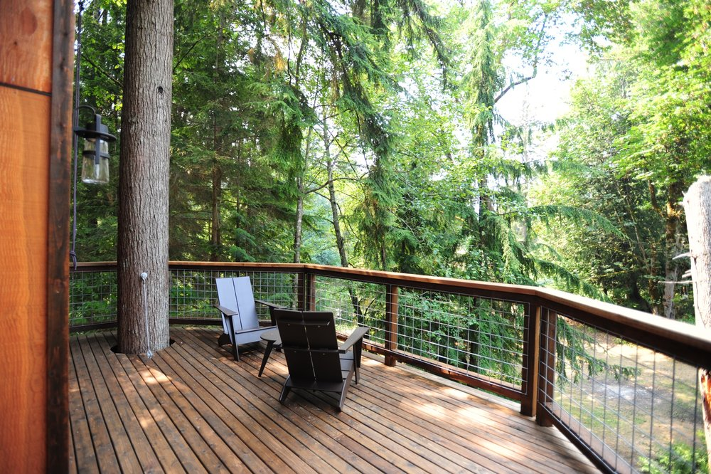 Keith's treehouse Deck