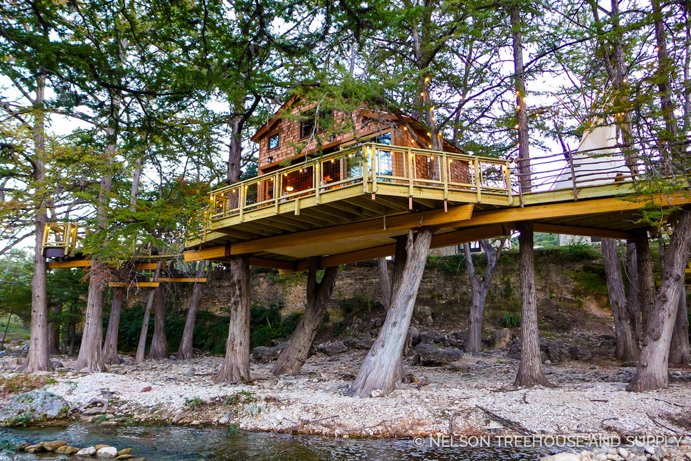 Treehousefriday frio river texas treehouse nelson for Cost to build a house in texas