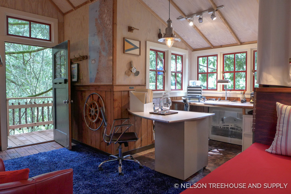 The treehouse provides plenty of office space.
