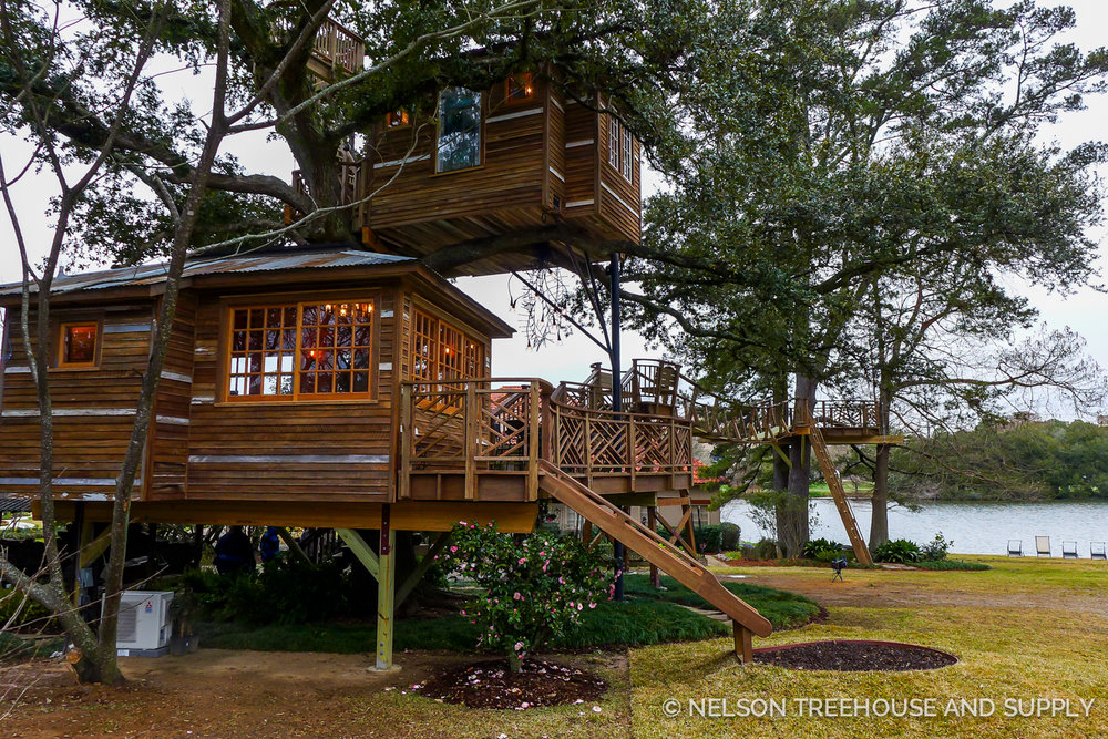 Read on for details and photos of this sprawling treehouse (one of the largest we've ever built!)...