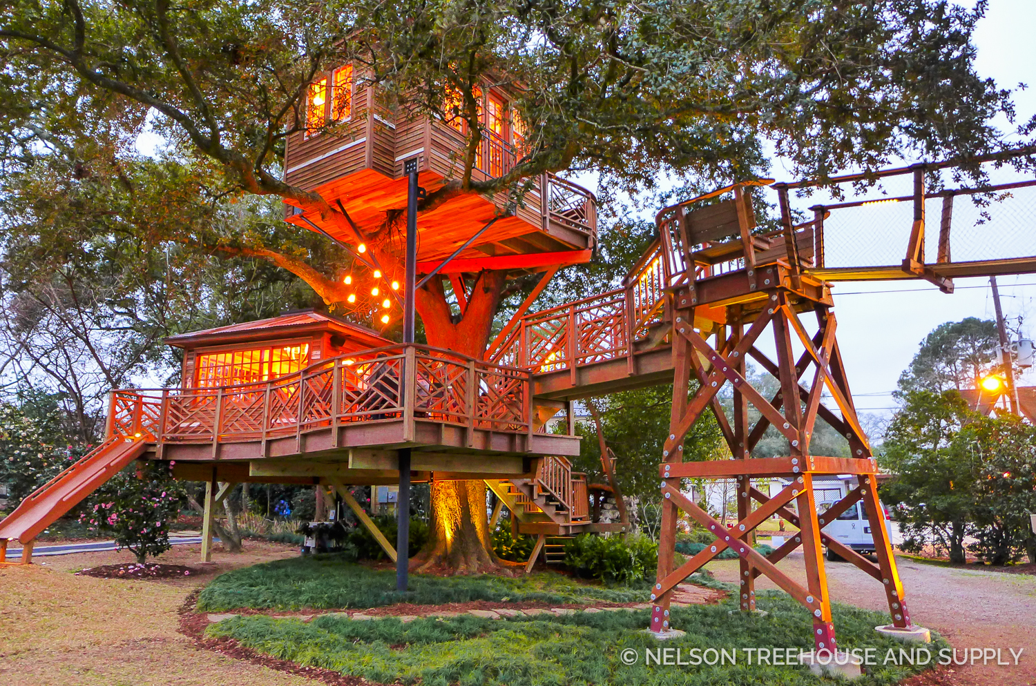 Picture of: Triple Decker Record Setter Nelson Treehouse