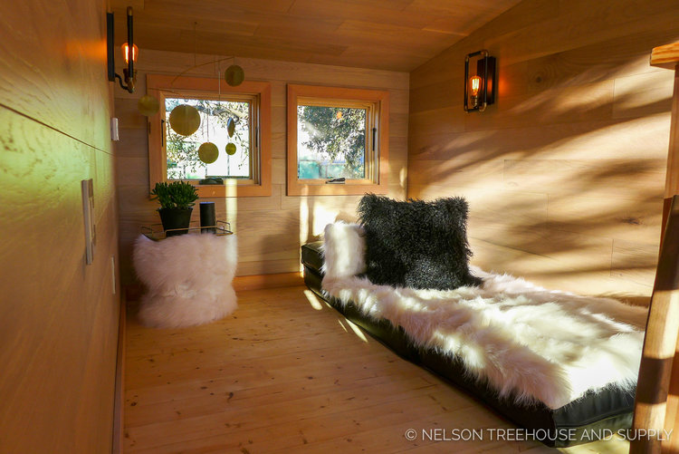 Treehouse Masters Interior city sleeker treehouse — nelson treehouse