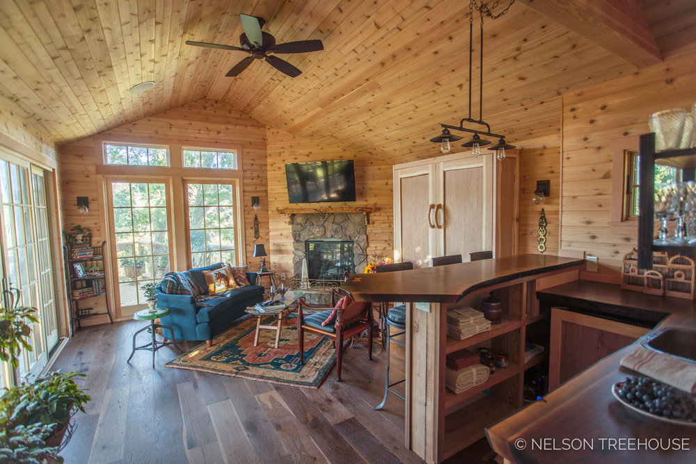 Fox_Lair_Farm_Interior_Living_Room_Kitchen.jpg