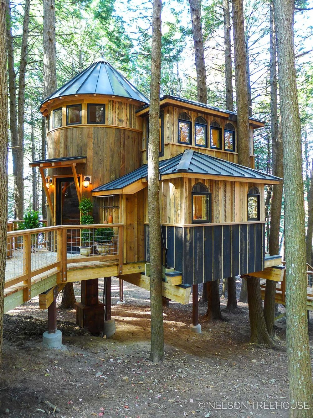 Magical Maine Treehouse