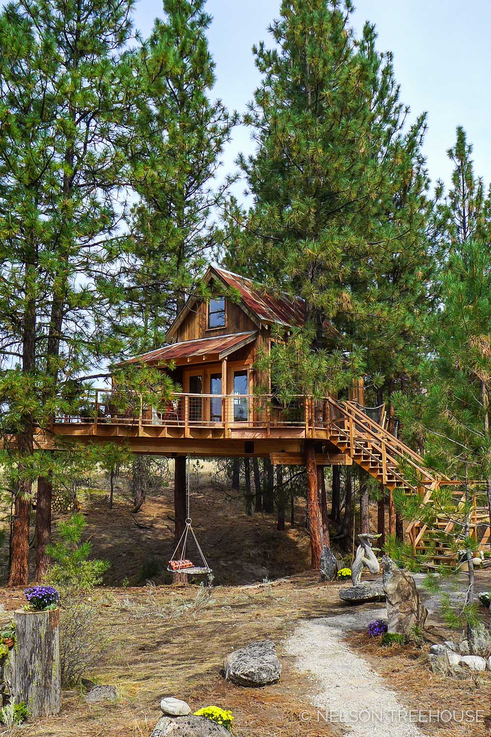 FAR OUT HIDEOUT    Location:  Eastern Washington  Year Built:  2017  Square Feet:  200  Elevation:  13 ft Fully tree-supported  Seasonality:  All-season    CLICK FOR PHOTO TOUR >>
