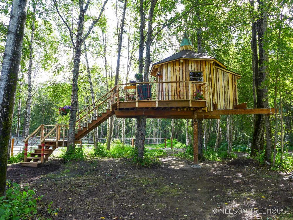 Alaskan Sauna Hut side - Nelson Treehouse