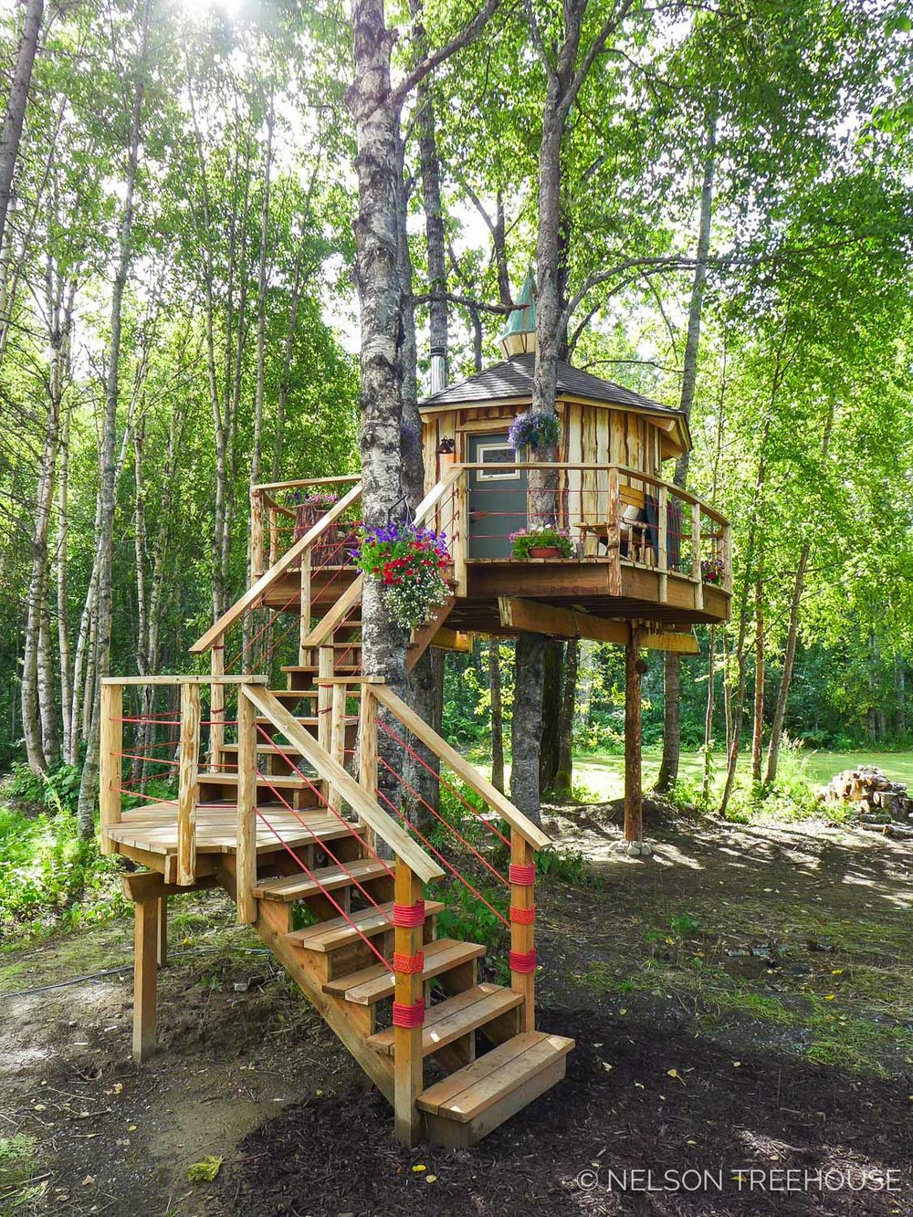 Alaskan Sauna Hut - Nelson Treehouse