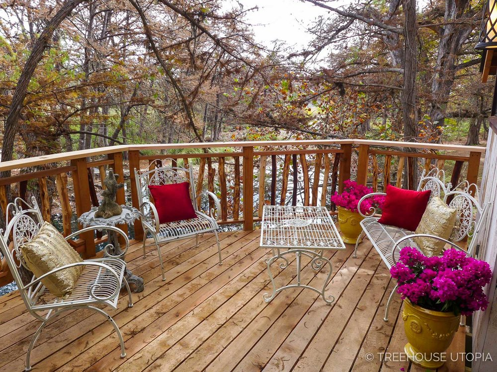 Back deck on Chapelle at Treehouse Utopia, a Texas Hill Country Retreat. Photo by Nelson Treehouse.