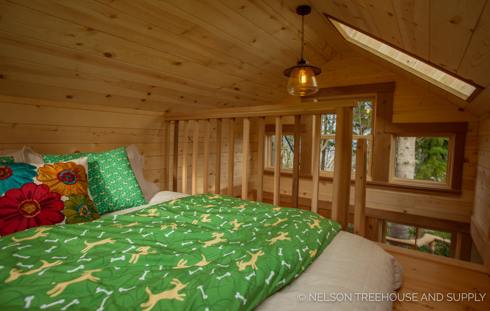 Bulldog Bungalow sleeping loft - nelson Treehouse