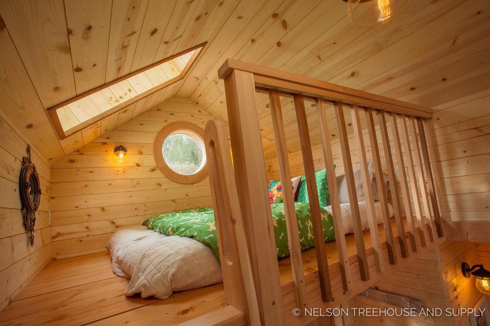 Bulldog Bungalow loft - nelson Treehouse