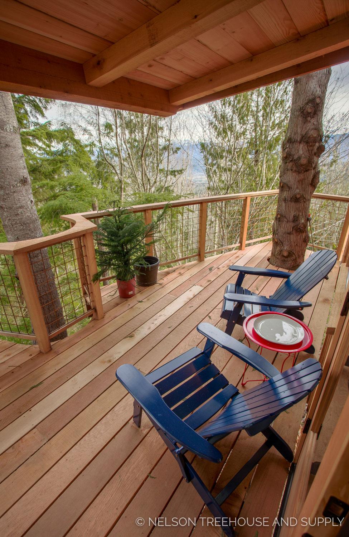 Bulldog Bungalow deck view - nelson Treehouse