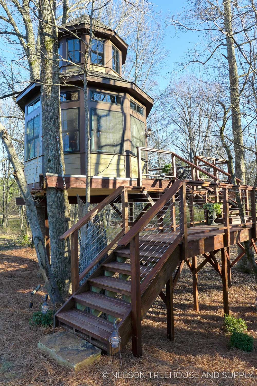 treehouse masters season 10 finale shaq 39 s treetop speakeasy nelson treehouse. Black Bedroom Furniture Sets. Home Design Ideas