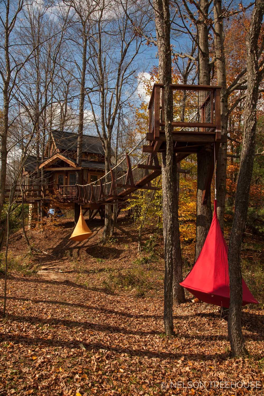 temple of adventure suspension bridge to crow's nest - nelson treehouse