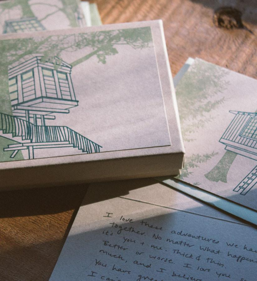 Treehouse Point boxed card set