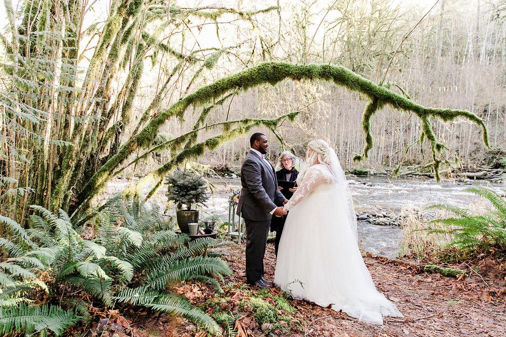 stromy-gary-elopement-preview161800.JPG
