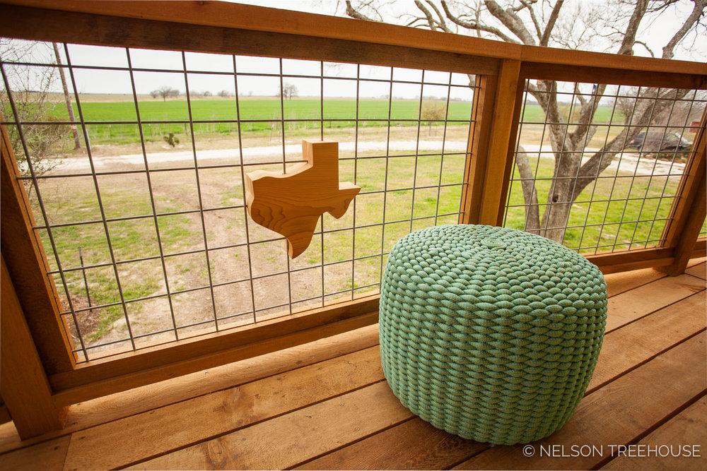 Nelson Treehouse - Twenty-Ton Texas Treehouse hog wire railing