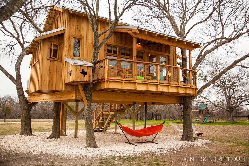 Nelson Treehouse - Twenty-Ton Texas Treehouse back