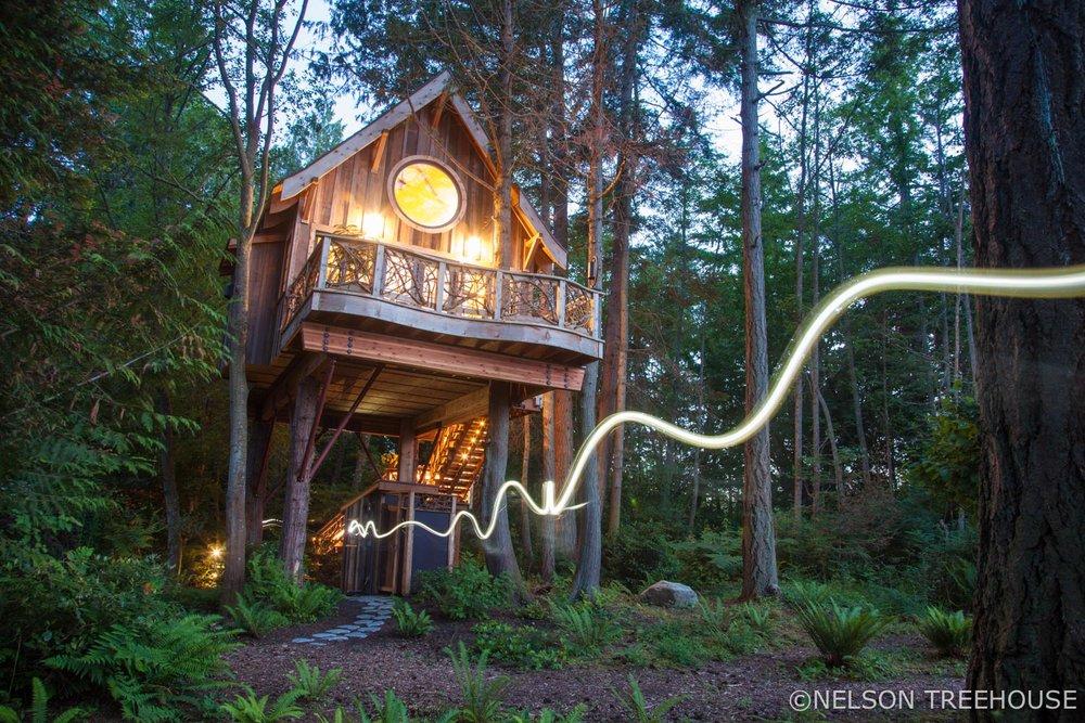 San Juan Islands - Nelson Treehouse - Light art
