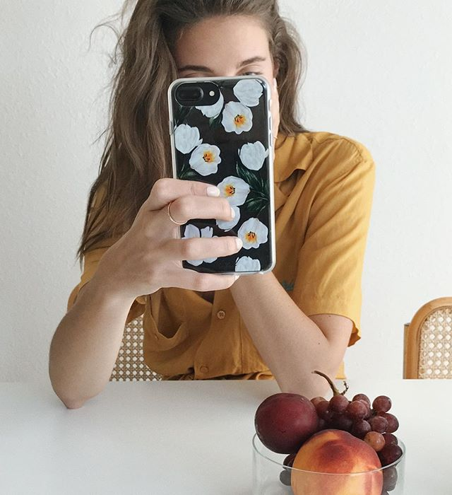 Hump Day Treats: Fresh fruit and our BRAND NEW Tulip Case (shop with link in bio, 🍇🍑 not included)