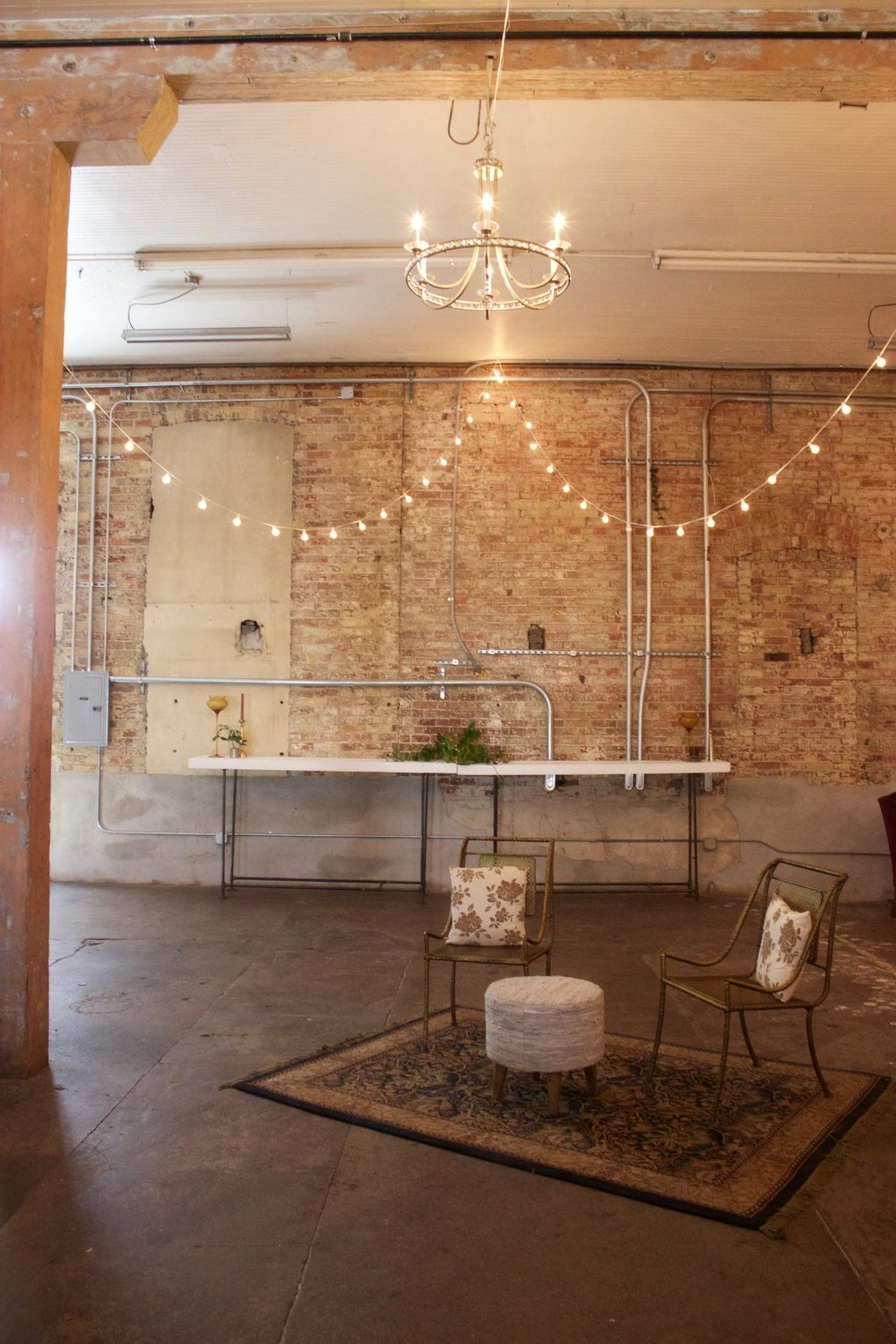 SPARK - 2,300 SQ FT14 FT CEILINGS2 WHITE WASHED MOBILE BARS1 PRIVATE LOFTKITCHEN ACCESS