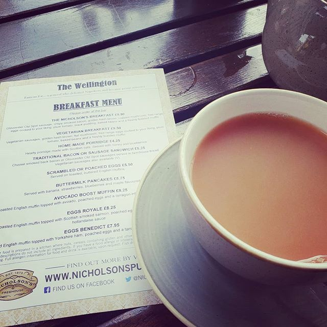 One can never go wrong with a classic cuppa and a proper English breakfast! #rosieleeco #sanfordfl #sanfording #cuppa #cupparosielee #onlocation #englishbreakfast #tea #teajourney #anglophile #americaninengland #welovetea