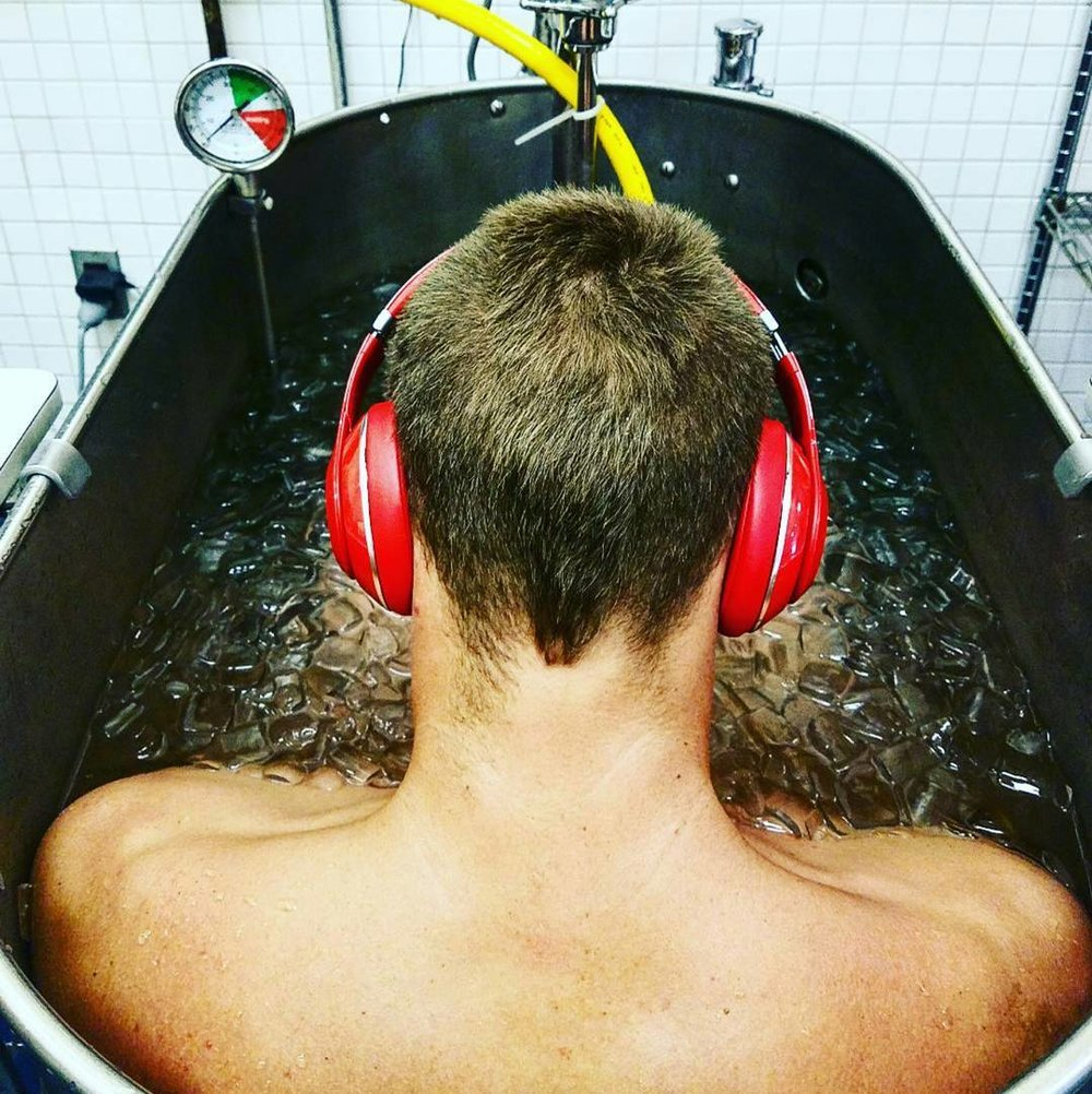 Gold Medalist Tom Shields Contrast Ice Bath (Alternate hot/cold by minute)