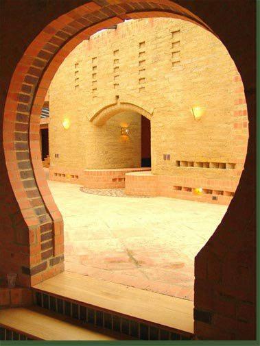 Vista hall de entrada desde la sala