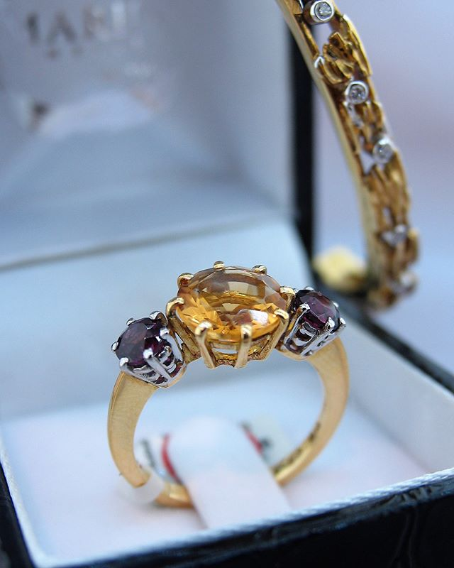 """Jewellery is like a biography; a story that tells the many chapters of your life"" ~ Irini Theodoropoulos. . #bespokepieces by @mariosjewellers. . 18ct #yellowgold #rhodolite and #citrine #ring. . 18ct #yellowgold and #diamond textured hinged #bangle. . #awardwinningjeweller #mariosjewellers #jewelleydesigner #manufacturingjeweller #jewellersofdistinction #jewellersofinstagram #jewelleryforeveryoccasion #highendjewellery #luxuryjewellery #luxurylifestyle #spoilher #jewellerystore #jeweller #bespokejewellery #capetown #canalwalk #jewelleryinspiration #southafrica #follow4follow #followusformore #ringdesign #gemstones #preciousstones"