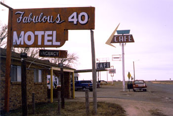 motel_midpointofroute66.jpg
