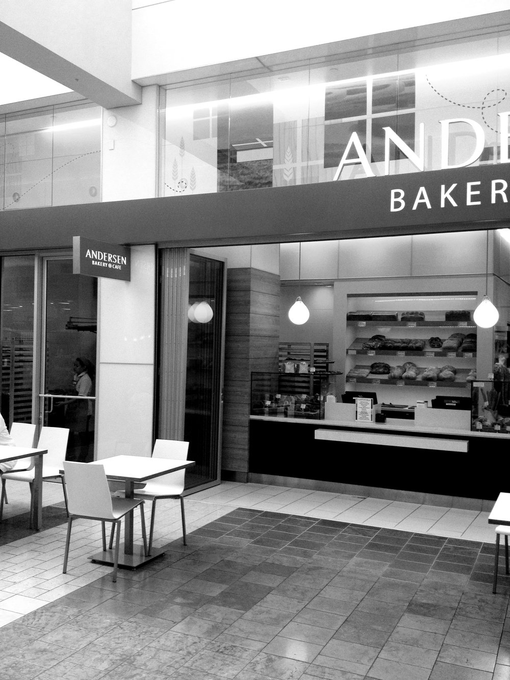 Patron seating area.Anderson Bakery (Oakridge Mall, San Jose, CA)