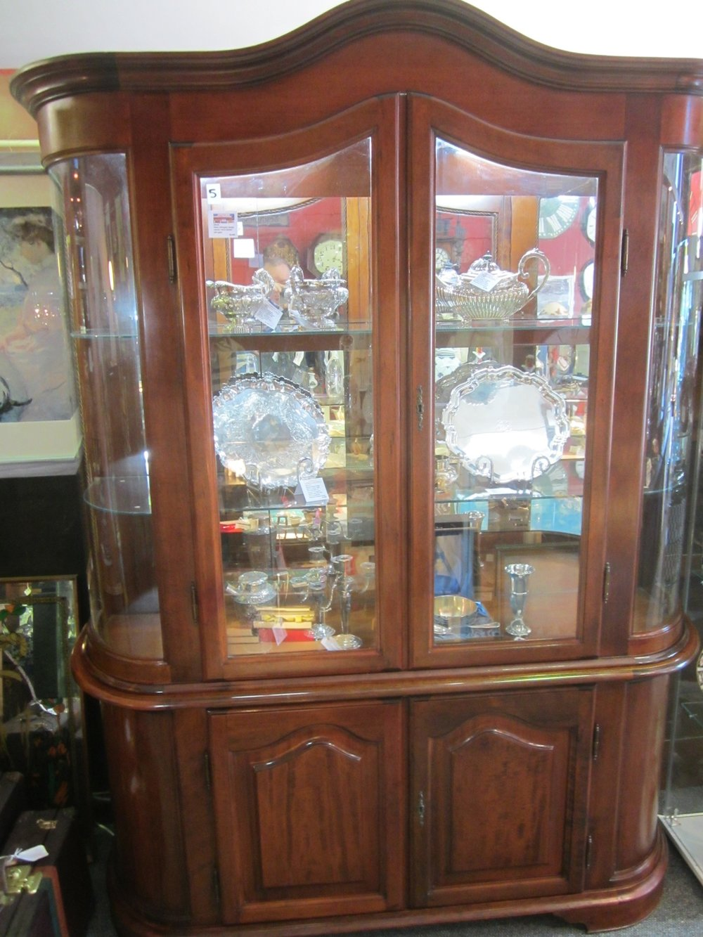 GG6546 Italian mahogany display cabinet, with lights, lockable with keys. 148 x 46 x 214cm high