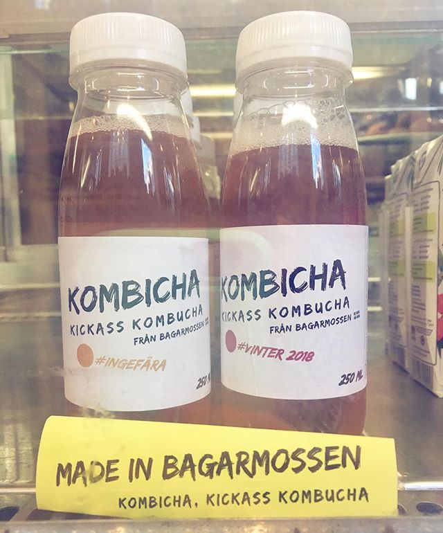 Fredagsfeeling med #kombicha 🤩🤙🏼⚡️🥂🤸🏼♂️🧘🏾♀️Välkommen in imorgon lördag kl 11-16! 🌿 #kombucha #weekend #veganinstockholm #kombuchalove #nutrition #eko #ecoist
