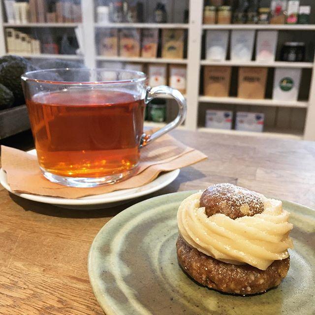 Semmeltider! Kom in och prova en av våra fräscha och nyttiga semlor! Vi har en muffins variant och en raw 😋 #semla #semlor #rawsemla #semmeldagen #fettisdagen #unbakery #eatclean #fika #fikapaus #hälsosamtfika #hälsosammat