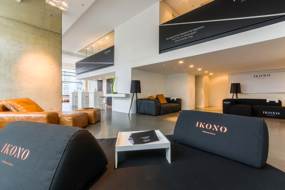 IKONO Business Pop Up Store 4.jpg
