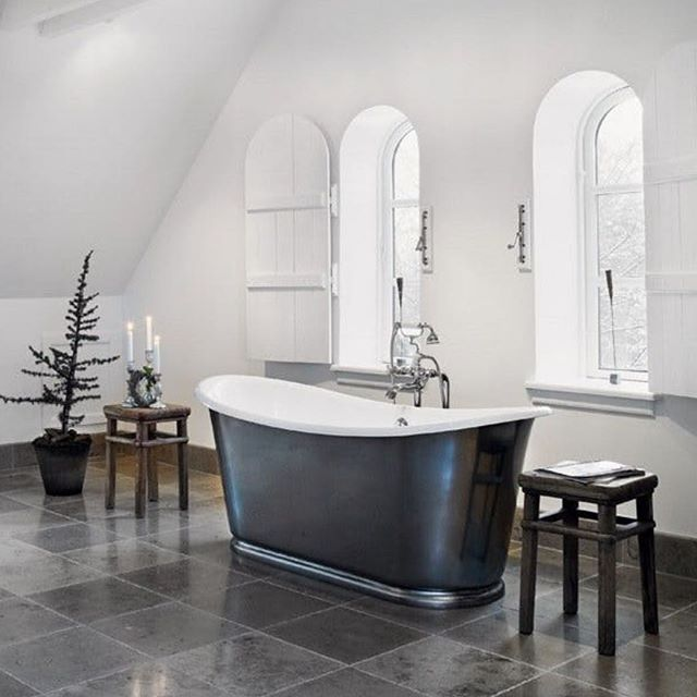 Christmas at @rosmosegaard with our Bateau bath and Bistrot bath filler.  Featured in @bobedredk by #aquadomo_dk