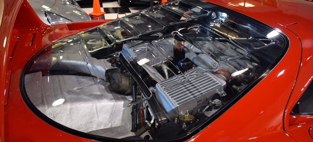 Ferrari F40 clear engine cover. Source: https://www.ferraris-online.com/