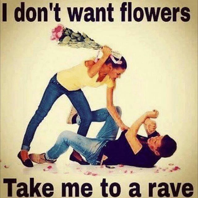 Come on guys, treat your ladies with the respect they deserve 😜 #GarageGirls #oioi  #GarageBrunch . . . . #ukgaragebrunch #garagegirl #garagegirls #ukg #garage #garagemusic #ukgarage #ukgaragemusic #oldskoolgarage #oldschoolgarage #daytimerave #daytimeraver #garagerave #garageraver #2step #bassline #pirateradio #dayparty #dayrave #itsalondonthing #londonbrunch #brunch #boozybrunch #bottomlessbrunch #bottomlesscocktails