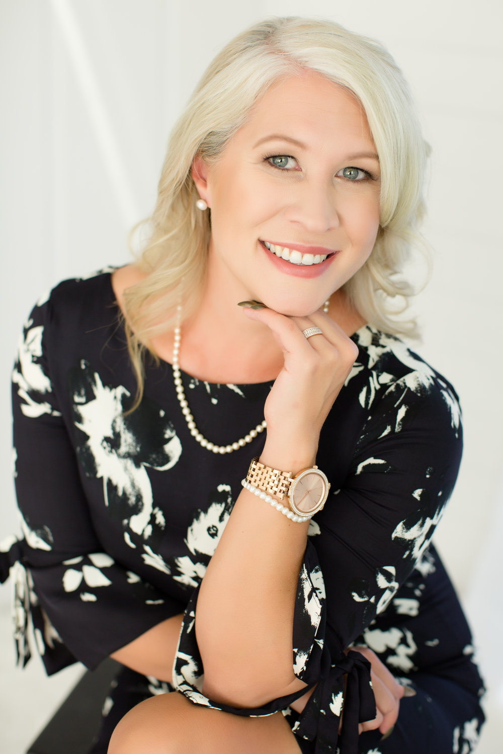 Heather Mills Photography -- Eugene Headshot and Branding Photographer
