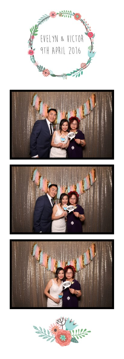 "2 x 6"" photo strip wedding photo booth design"