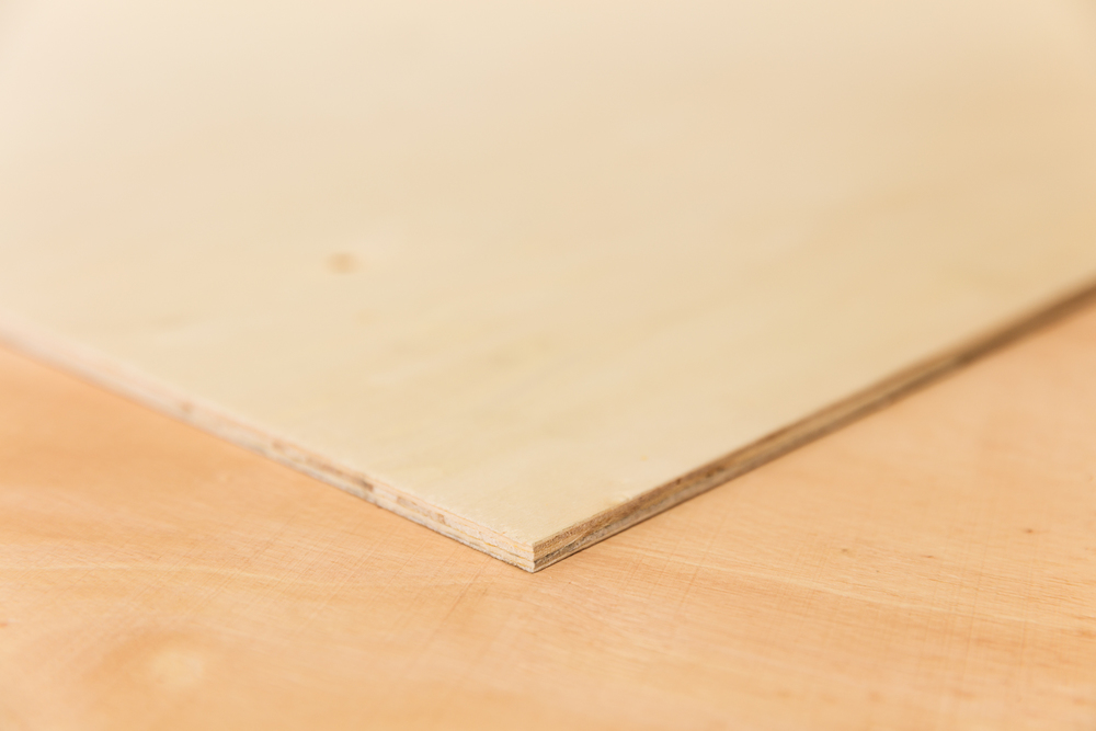 poplar plywood. density 480-500 kg/m3 (similair to spruce)
