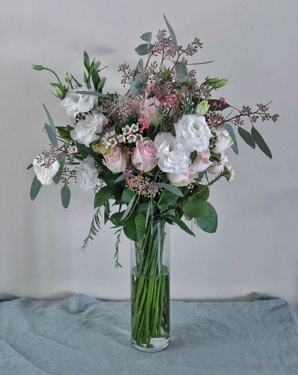 Ask a French flowers bouquet in vase