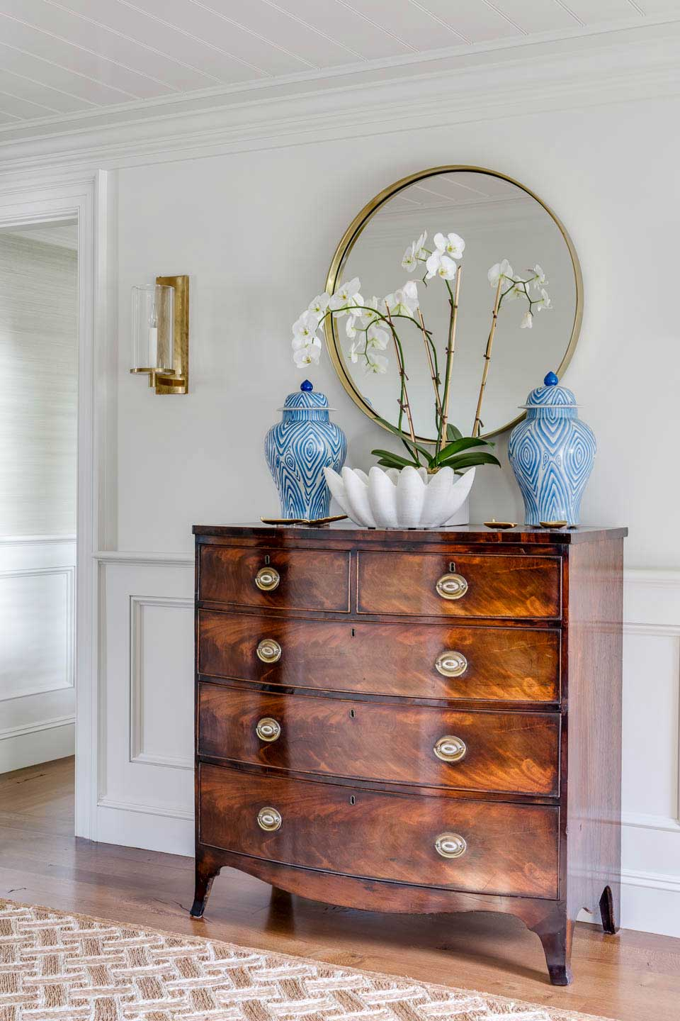 entryway, cape house, gold mirror, blue vase