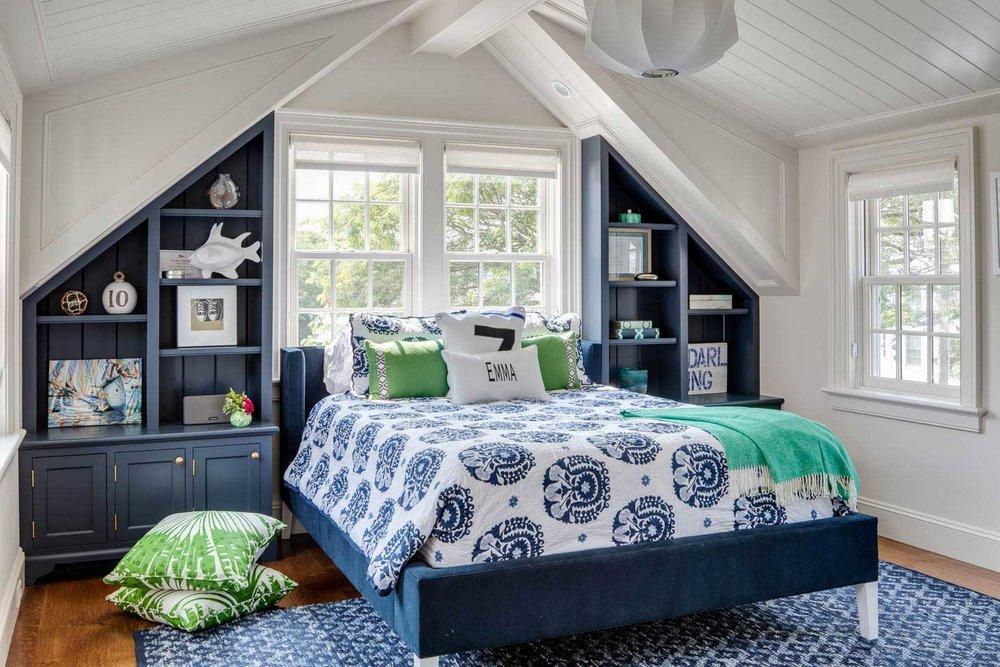 blue bedroom, blue bedding, girls room, blue bookcase, blue bed, blue rug